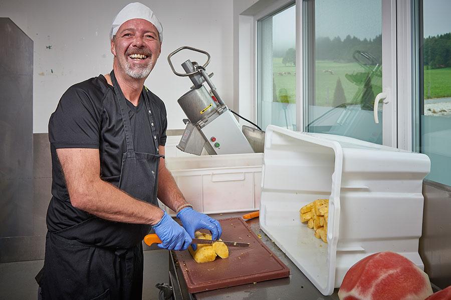 Produktion von Ananasstücke